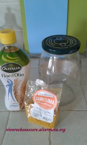 Olio di curcuma fatto in casa